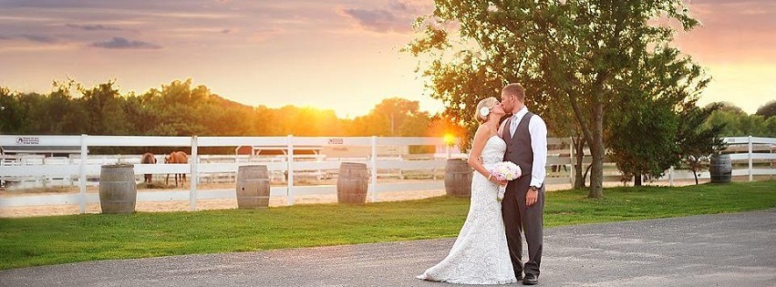 Baiting Hollow Farm Vineyard Weddings Events Parties Enjoy The Rustic Charm Of Li S East End
