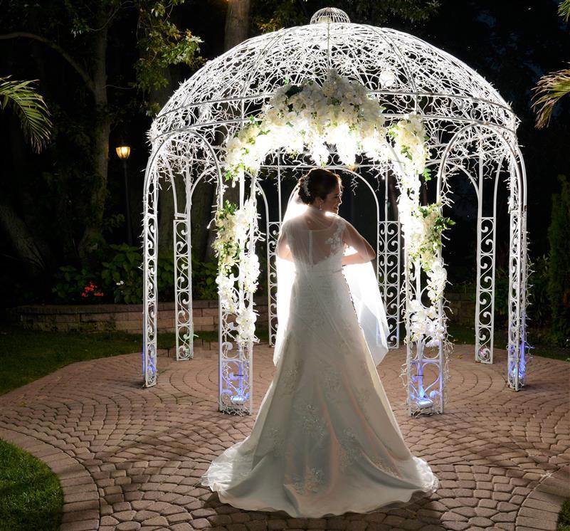 Li Weddings: Windows On The Lake